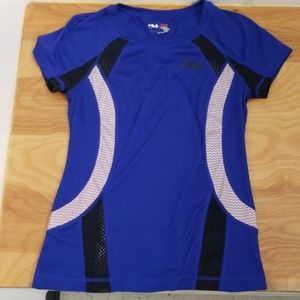 ❤FILA ACTIVEWEAR RUNNING TOP w/ mesh panels, small